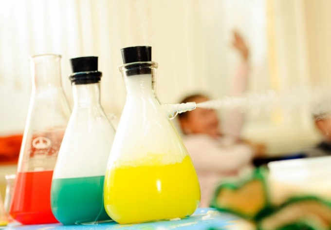 Какие научные опыты и эксперименты можно провести с детьми дома