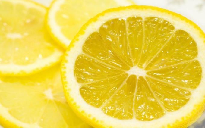 Можно ли лимонную цедру в десерте заменить лимонной кислотой