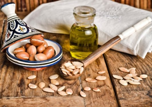 Argan oil for the face