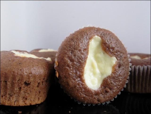 Как приготовить шоколадные маффины-ватрушки