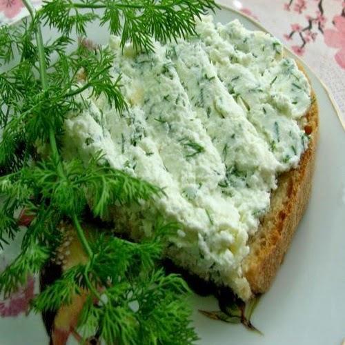 Творожная паста с зеленью.