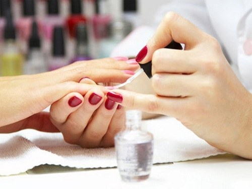removing the gel Polish with acetone
