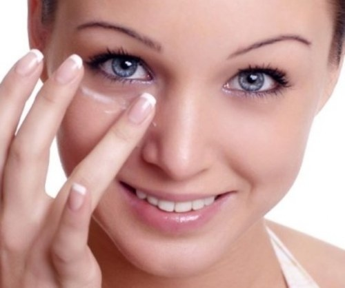 Уход за кожей вокруг глаз: очищение, увлажнение, питание
