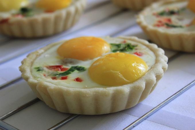 Яичные тарталетки на завтрак