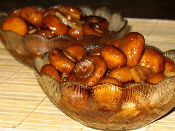 Шампиньоны, маринованные с медом и чили