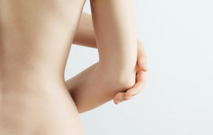 Как ухаживать за кожей локтей