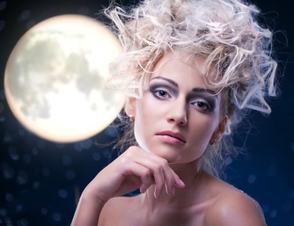 Стрижка в определенный лунный день влияет на состояние волос и события в жизни