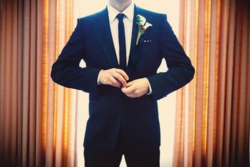 Что выбрать жениху – галстук, бабочку или платок?