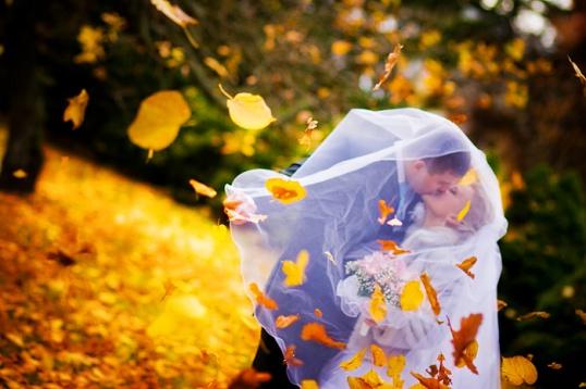 Идеи для фотосессии осенней свадьбы