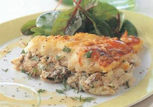 Рыбный пирог с пюре из копченого чеддера