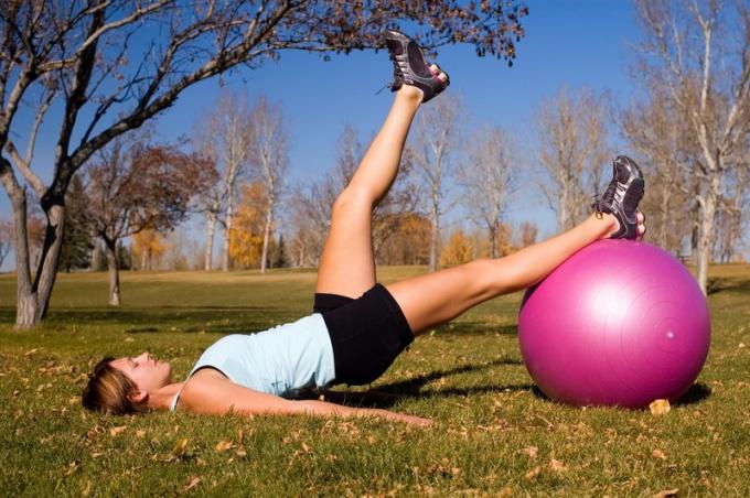 Фитбол как средство для похудения