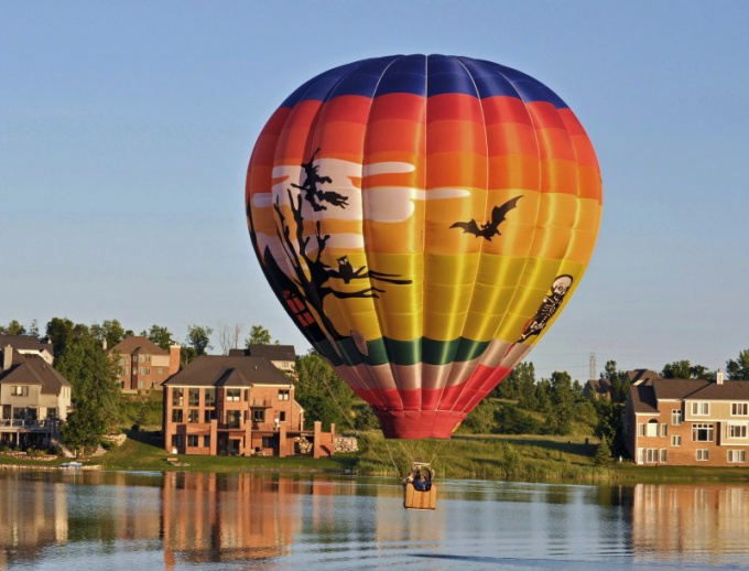 Flying hot air balloons attractive and exciting