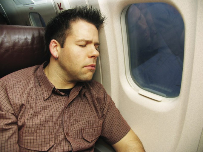 What to do on the plane during long flights