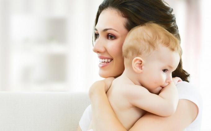 Стоит ли одинокой женщине рожать для себя