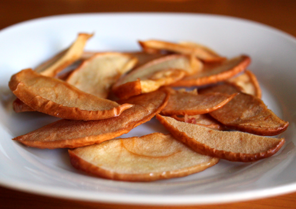 Вяленые яблоки - источник витаминов зимой!
