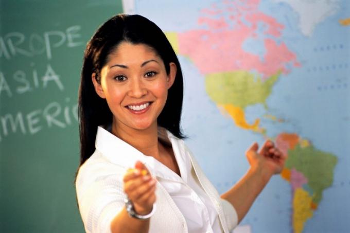 Почему молодые учителя не хотят работать в школах