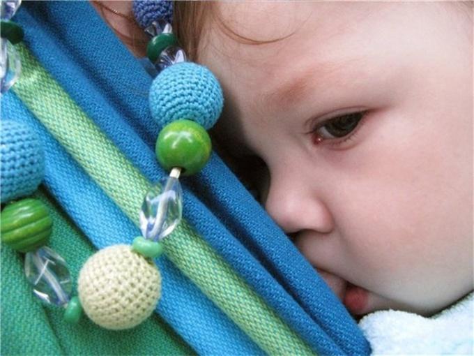 Какую игрушку сделать своими руками для трехмесячного ребенка