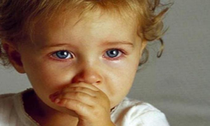 От чего у деток появляются заеды