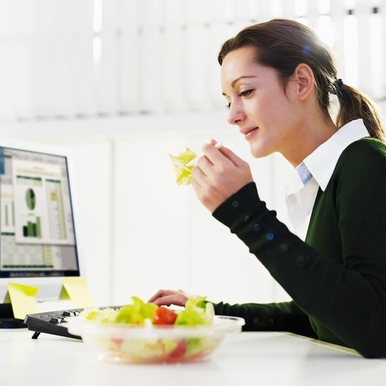 Как питаться на работе, если столовой поблизости нет