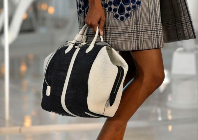 Деловые женские сумки: самые модные модели