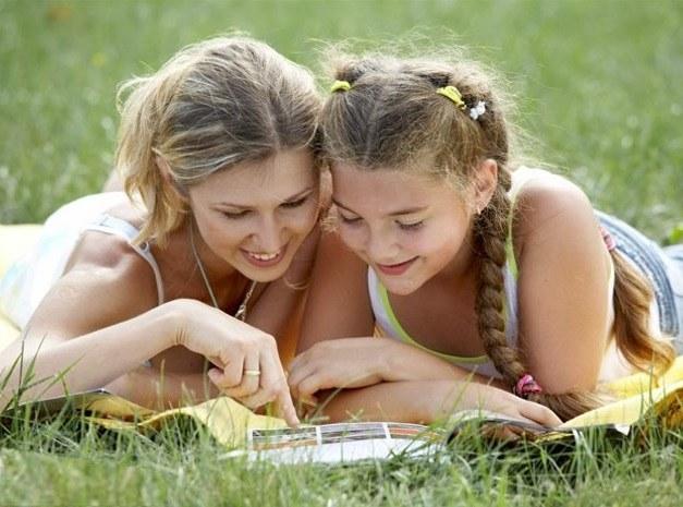 Может ли мать дружить с дочерью-подростком