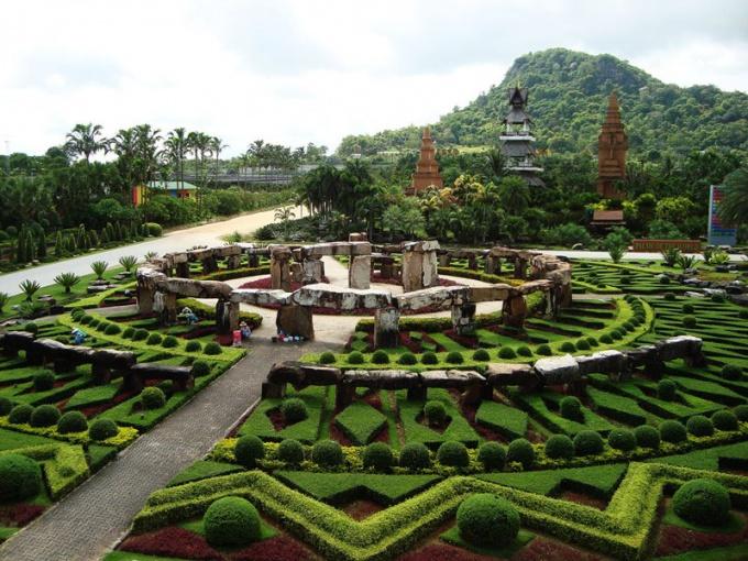 Геометрический сад в Тайланде