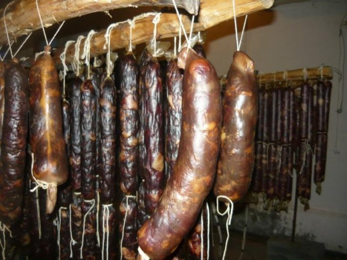 Изысканный деликатес: конская колбаса