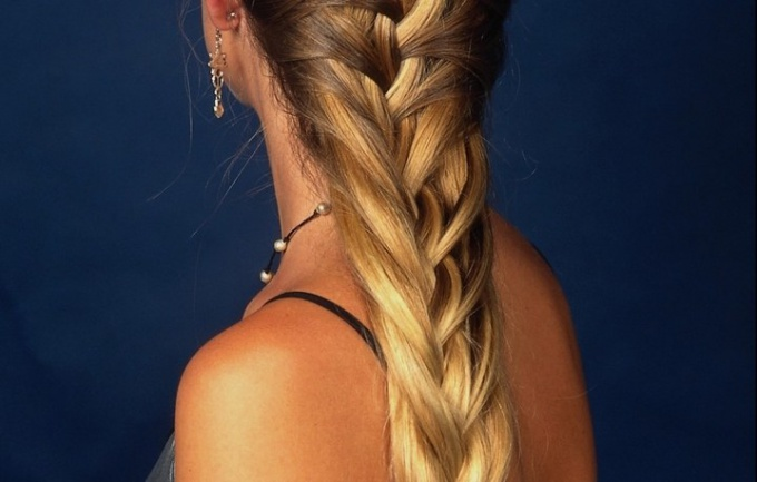 How to weave careless braids