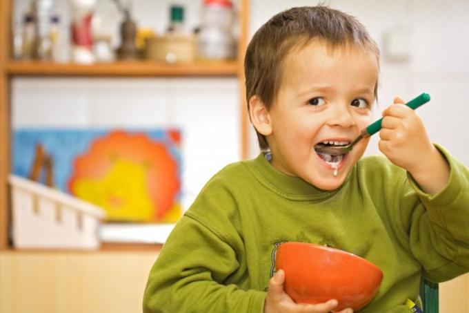 Какие препараты можно давать детям при отравлении