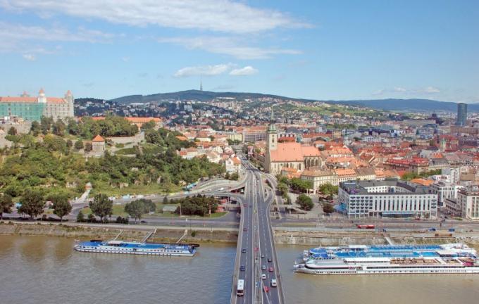 Как лучше добираться из Вены в Братиславу