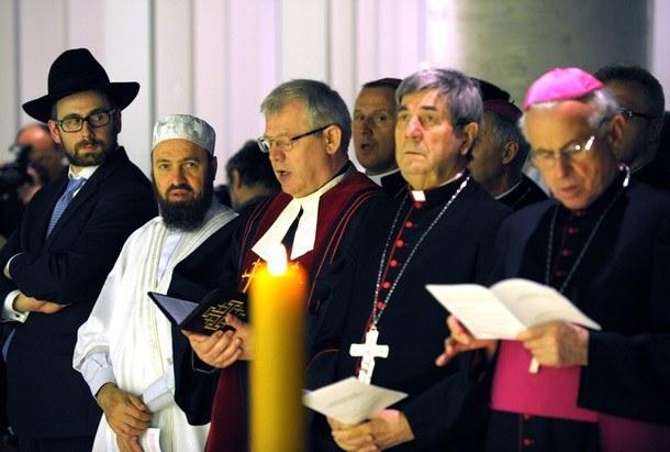 Представители различных мировых религий