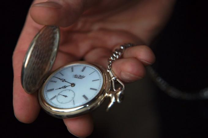 Какой механизм часов выбрать
