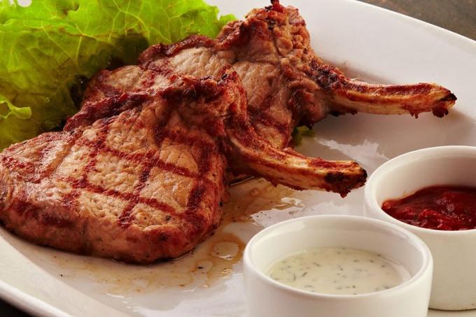 Антрекот из свинины в духовке: рецепты приготовления