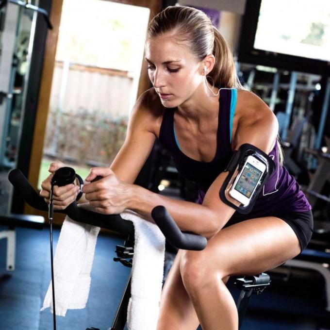 Спортивный чехол для телефона на руку: применение и основные плюсы