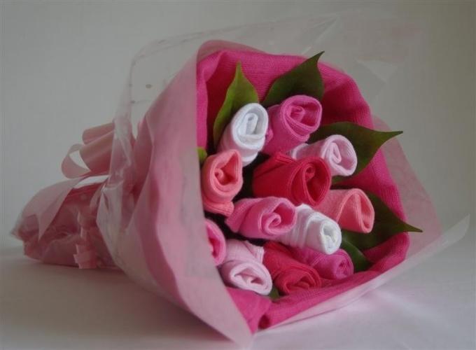Букет роз, сделанный из носков