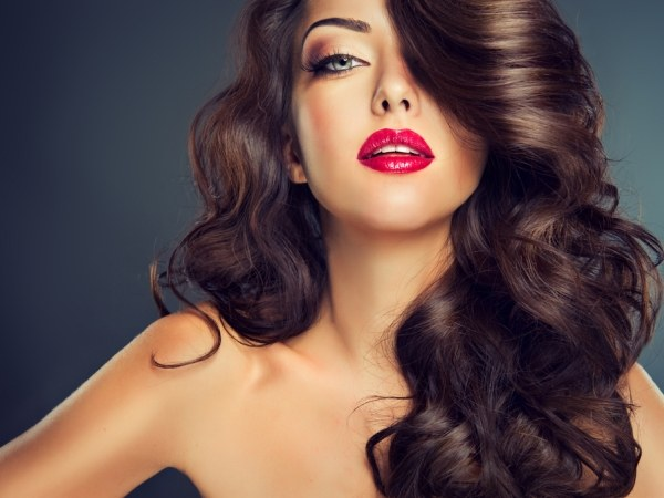 How to make curls with a tapered Curling iron