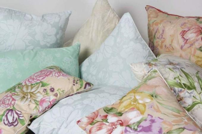 Как самому сделать перьевую подушку
