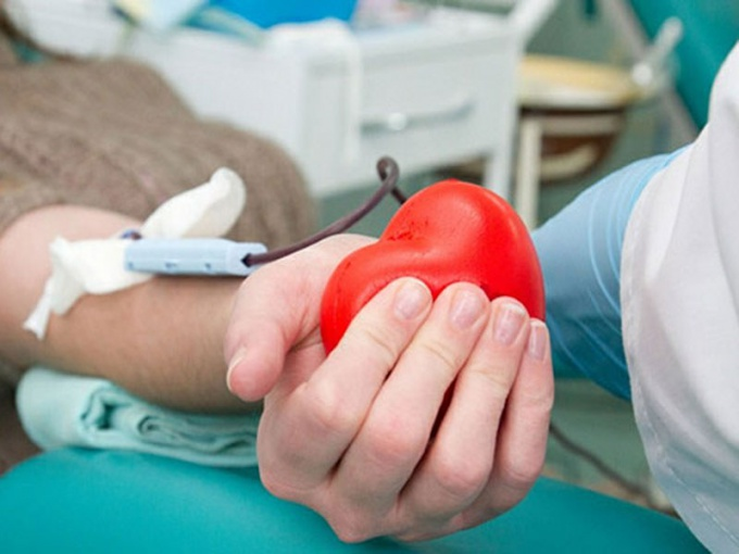 Кому можно сдавать кровь