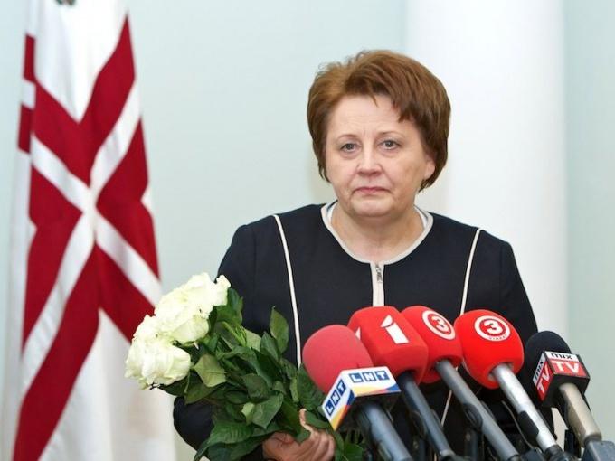 Первую в Латвии женщину, ставшую премьер-министром страны, сравнивают с Маргарет Тэтчер