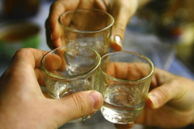 Какая нация пьет больше, чем русские?