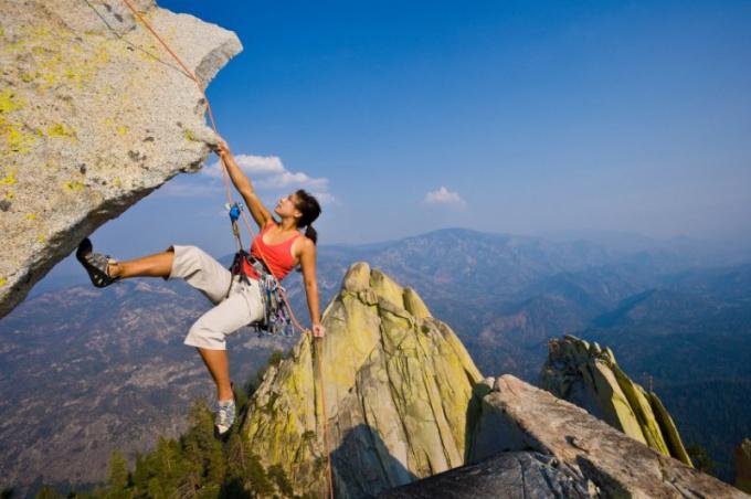 трудности возрастают по мере приближения к цели