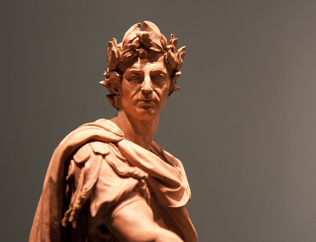 Божественный Цезарь