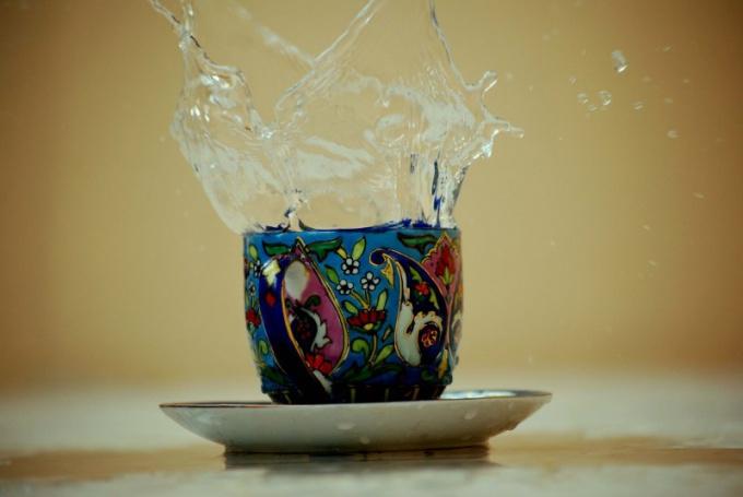 Главное достоинство расписанной чашки - оригинальность