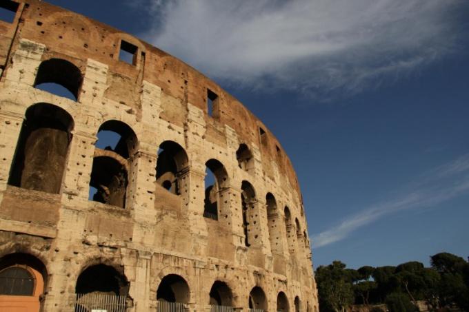 Почему каждый древний римлянин имел по три имени