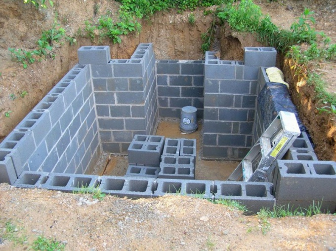 Строительство потолка погреба