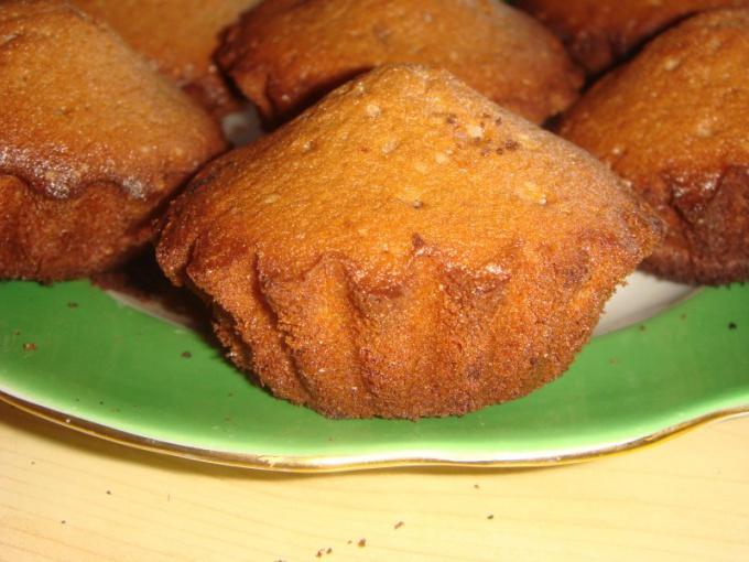 Как испечь вкусные кексы в бумажных формочках