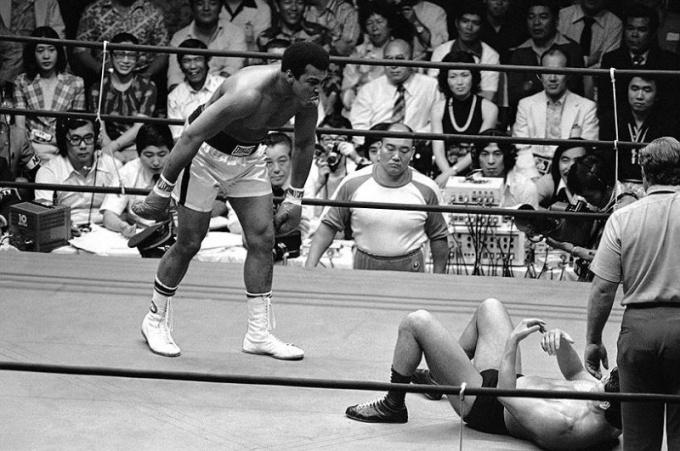 Бой боксера Мохаммеда Али и борца Антонио Иноки ответ на вопрос «Кто сильней?» не дал