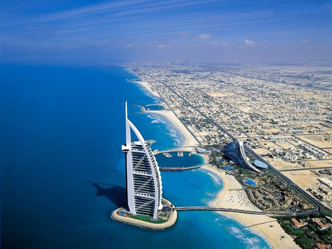 Что брать с собой в ОАЭ в марте