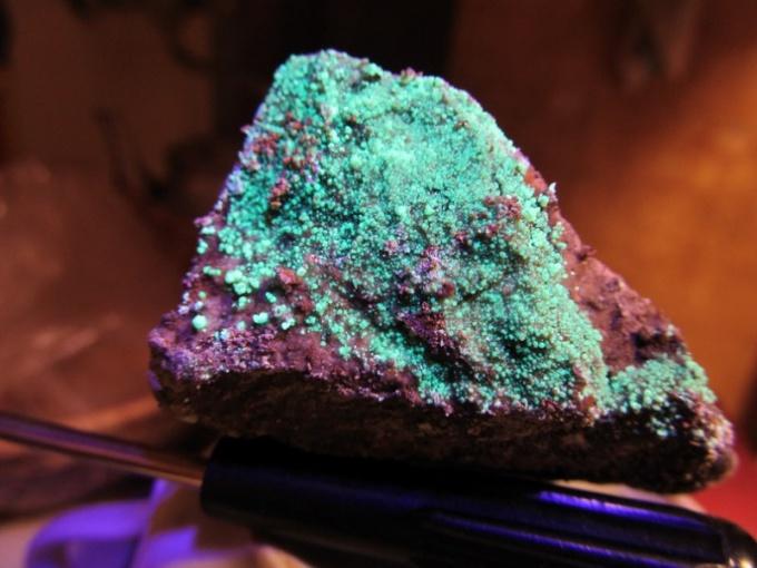 Соль урана - радиоактивного элемента