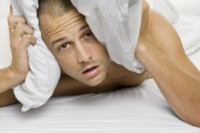 Почему во сне скрипят зубами